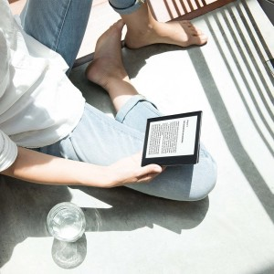 Kindle Oasis Read Direct Sunlight - Like Real Book